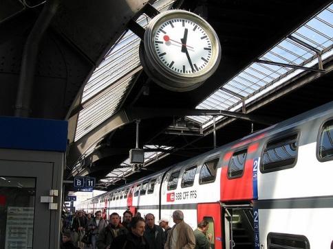1ab8a3fe536cb9c0d80a5e6a709c9dee--swiss-railways-zurich